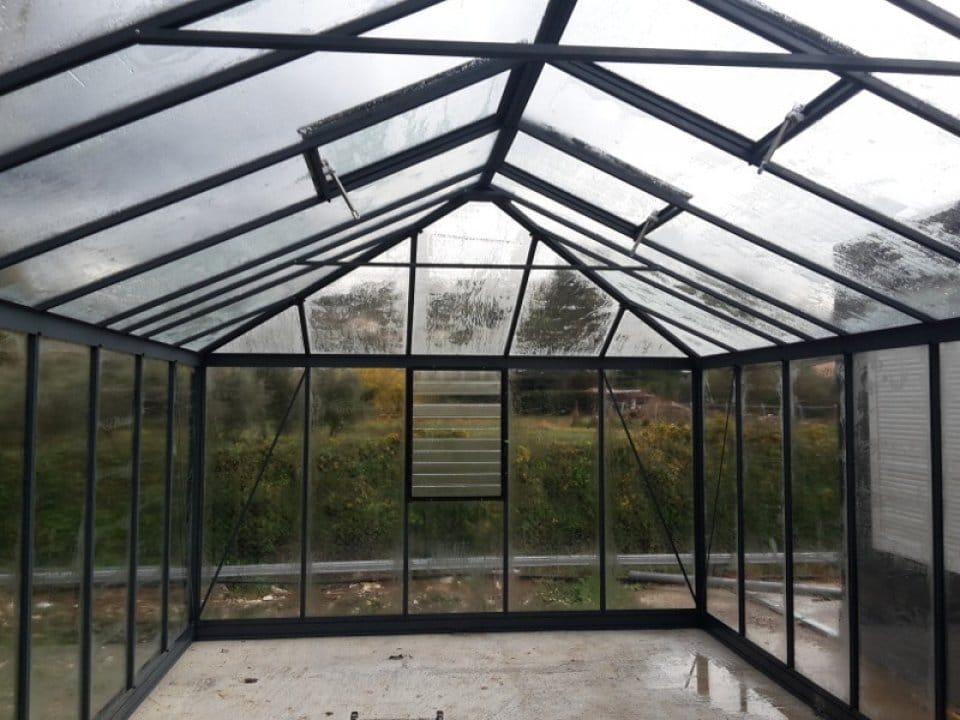 Montage d'une serre d'ornement / jardin d'hiver à Villeneuve Loubet (06) vue 3