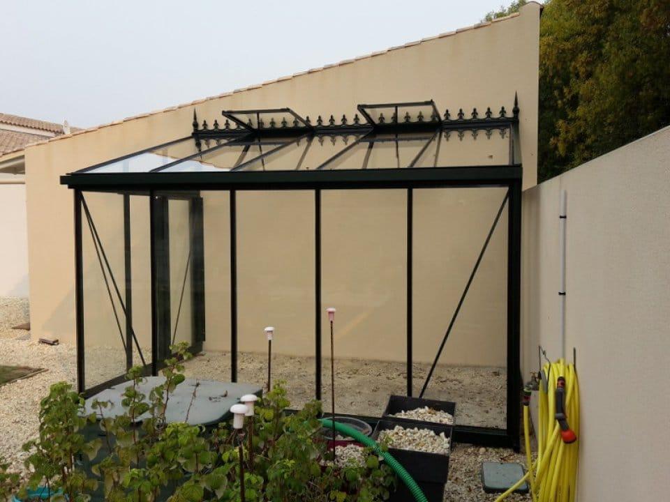 Montage d'une serre adossée à Villedoux (17) vue 1