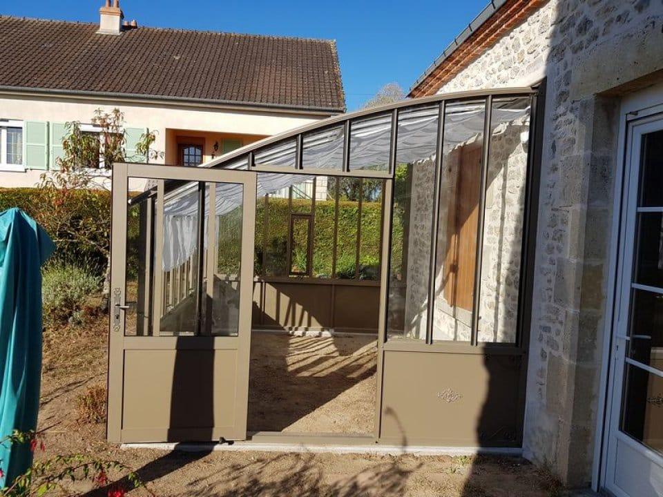Pose d'une serre à l'ancienne à Loury (45) vue 4