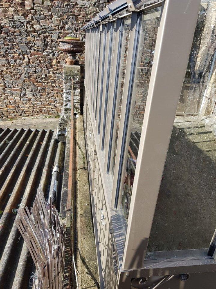 Installation d'une serre à l'ancienne adossé sur un balcon - Fougères (35 - Ille et Vilaine) vue 3