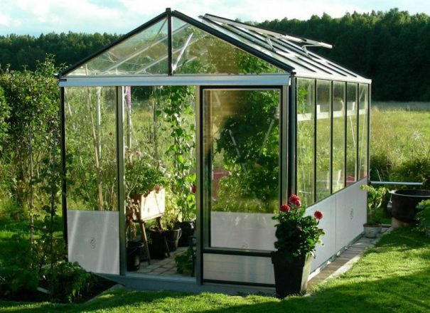 Serre de jardin classique autonome soubassement - Structure aluminium - Euro Maxi Retro Alu (Vue 0)