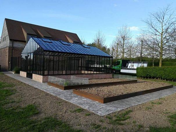Serre à l'ancienne indépendante sur muret - structure aluminium - Euro Gothic Plus Mur Victorian (Vue 1)