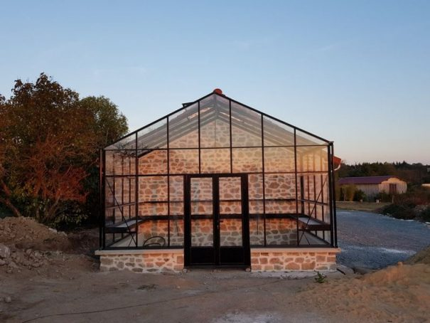 Serre victorienne indépendante sur muret - Structure aluminium - Euro Plus Mur Victorian (Vue 1)