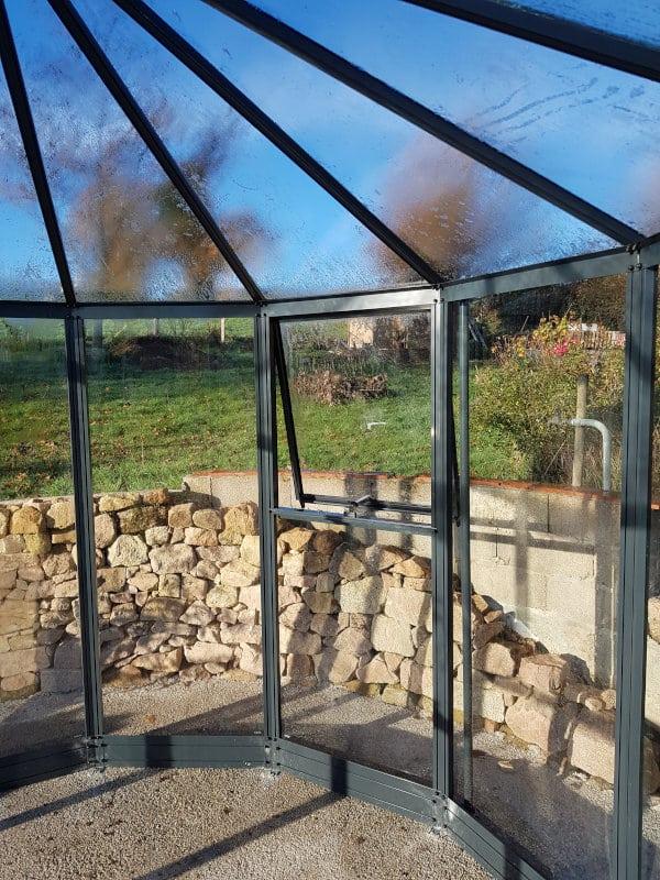 Installation d'une serre d'ornement/kiosque - LA COMELLE (71 – Saône et Loire) vue 3