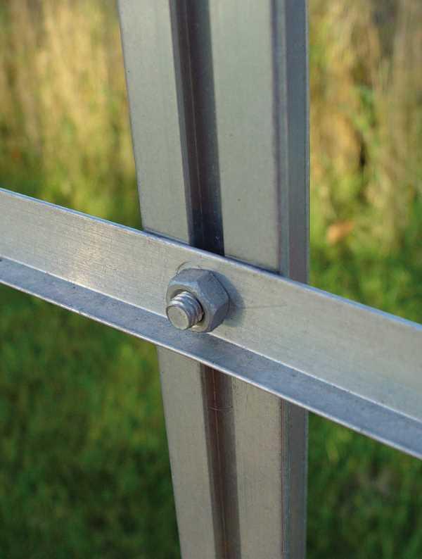 Vis et boulons en aluminium pour serre (Vue 1)