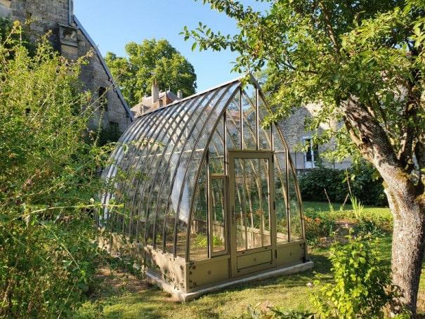 Serre de jardin à l'ancienne style fer forgé avec soubassement – Structure aluminium - Louise Soubassement (Vue 1)
