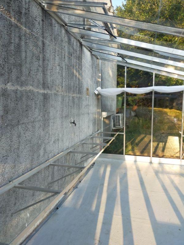 Installation-dune-grande-serre-adossee-en-aluminium-Gorges-44-Loire-Atlantique-vue-2