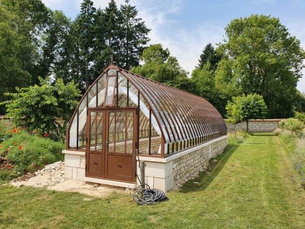 Serre de jardin à l'ancienne style fer forgé sur muret - Structure aluminium - Eugénie sur Muret (Vue 4)