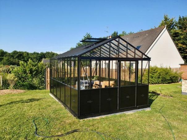 Serre de jardin victorienne autonome soubassement - Structure aluminium - Euro Maxi Retro Victorian (Vue 1)